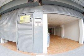 ให้เช่าร้านค้า ใน วังทองหลาง, กรุงเทพ ใกล้  MRT ลาดพร้าว 71