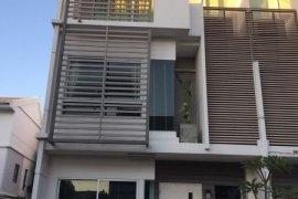 ขายหรือให้เช่าทาวน์เฮ้าส์ บ้านใหม่ พระราม 9 – ศรีนครินทร์  3 ห้องนอน ใน สะพานสูง, สะพานสูง ใกล้  Airport Rail Link บ้านทับช้าง