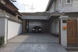 ขายหรือให้เช่าบ้าน 4 ห้องนอน ใน สะพานสอง, วังทองหลาง ใกล้  MRT ลาดพร้าว 71