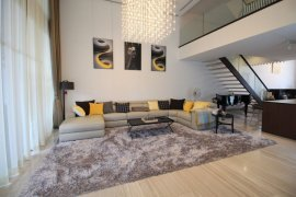 ขายบ้าน มิวส์ เย็นอากาศ บาย ไรมอน แลนด์(Mews Yen Akat)  5 ห้องนอน ใน ยานนาวา, สาทร
