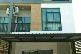 ให้เช่าทาวน์เฮ้าส์ ทรีโอ ร่มเกล้า  2 ห้องนอน ใน มีนบุรี, มีนบุรี ใกล้  Airport Rail Link ลาดกระบัง