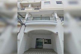 ให้เช่าทาวน์เฮ้าส์ 4 ห้องนอน ใน นนทบุรี ใกล้  MRT แยกนนทบุรี 1