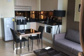 1 bedroom condo for sale in Up Ekamai near BTS Thong Lo
