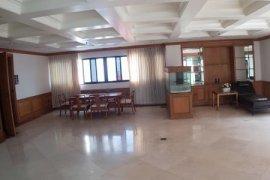 ขายคอนโด เซ็นจูรี่ ไฮท์  3 ห้องนอน ใน คลองเตย, คลองเตย ใกล้  MRT สุขุมวิท