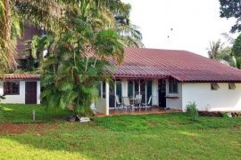 2 Bedroom House for sale in Trat