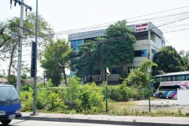 ขายหรือให้เช่าโกดัง / โรงงาน ใน ตลาดขวัญ, เมืองนนทบุรี ใกล้  MRT แยกติวานนท์