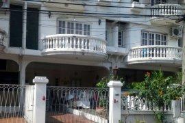 ขายทาวน์เฮ้าส์ 3 ห้องนอน ใน จอมพล, จตุจักร ใกล้  MRT ลาดพร้าว