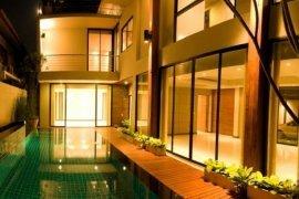 ให้เช่าบ้าน 4 ห้องนอน ใน คลองเตย, คลองเตย ใกล้  BTS ทองหล่อ