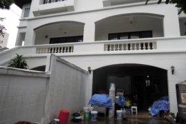 ให้เช่าทาวน์เฮ้าส์ 4 ห้องนอน ใน ถนนเพชรบุรี, ราชเทวี