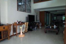 ขายทาวน์เฮ้าส์ 5 ห้องนอน ใน สาทร, กรุงเทพ ใกล้  MRT คลองเตย