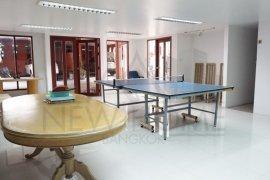 ให้เช่าทาวน์เฮ้าส์ Villa 49 Townhouse  3 ห้องนอน ใน คลองตัน, คลองเตย ใกล้  BTS ทองหล่อ