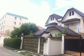 ขายบ้าน 5 ห้องนอน ใน บางกะปิ, กรุงเทพ