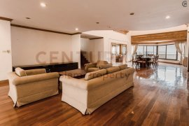 ให้เช่าเซอร์วิส อพาร์ทเม้นท์ บ้าน สวัสดี (Baan Sawasdee)  4 ห้องนอน ใน คลองเตยเหนือ, วัฒนา ใกล้  MRT สุขุมวิท