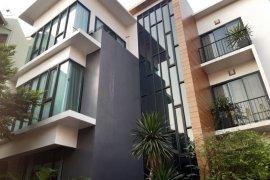 ขายบ้าน 5 ห้องนอน ใน บางกอกน้อย, กรุงเทพ ใกล้  MRT บางยี่ขัน