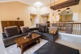 ขายหรือให้เช่าวิลล่า 3 ห้องนอน ใน หนองไม้แดง, เมืองชลบุรี