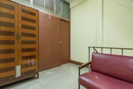 ให้เช่าเชิงพาณิชย์ 3 ห้องนอน ใน ถนนเพชรบุรี, ราชเทวี ใกล้  MRT ราชเทวี