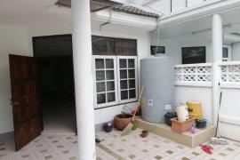 ให้เช่าทาวน์เฮ้าส์ 3 ห้องนอน ใน ห้วยขวาง, ห้วยขวาง ใกล้  MRT สุทธิสาร