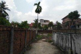 ေျမ ေရာင္းရန္ အတြင္း Yankin, Yangon