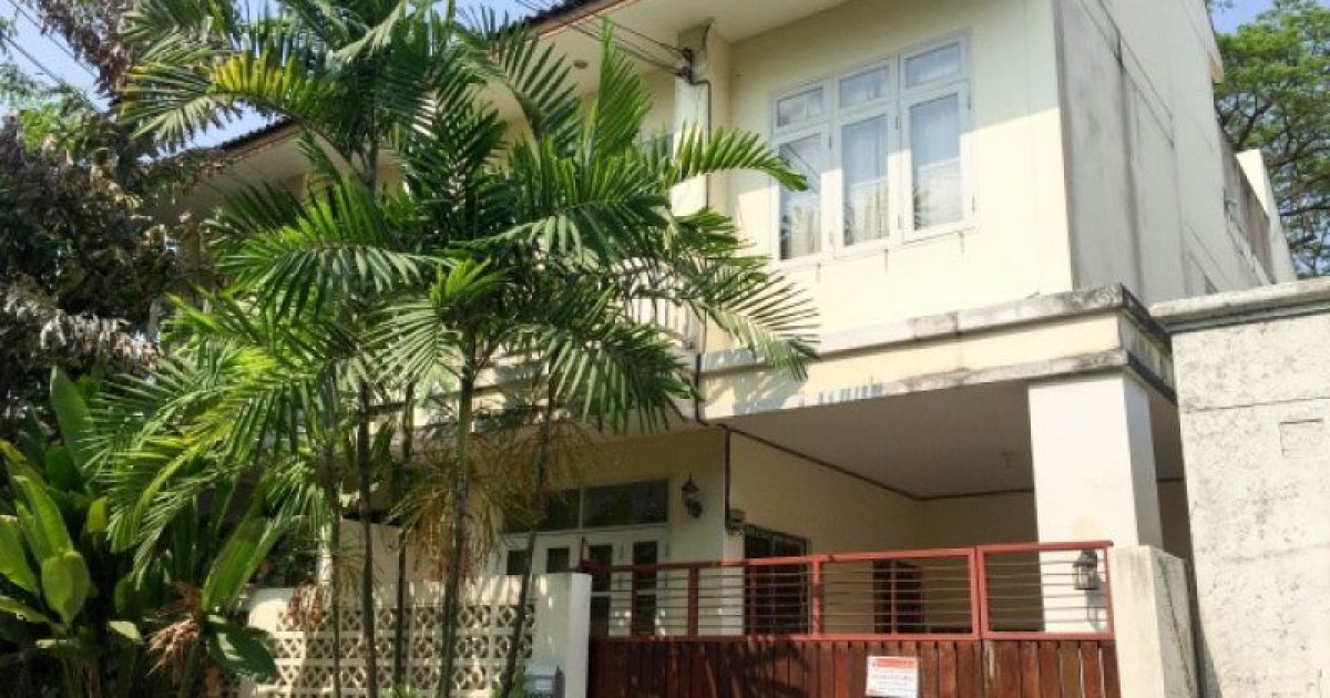 3 bed townhouse for rent in bang kapi huai khwang 30 000 for 9 bedroom house for rent