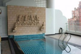 3 ห้องนอน คอนโดมิเนียม สำหรับขาย ใน เลอ รัฟฟิเน่ สุขุมวิท 24 ใกล้ BTS พร้อมพงษ์