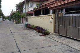 3 ห้องนอน บ้าน สำหรับขาย ใกล้ MRT บางซื่อ