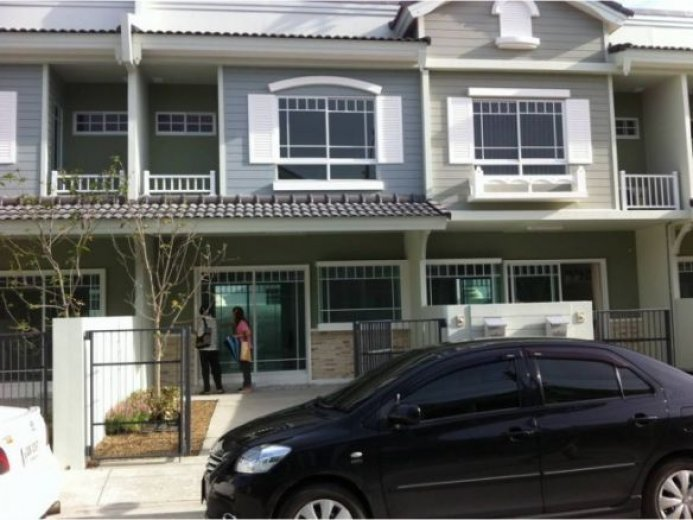 2 bedroom townhouse for rent in Bang Bo  Samut Prakan. 2 bed townhouse for rent in Bang Bo  Samut Prakan  10 500  122915