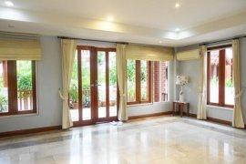 3 bedroom townhouse for rent in Watthana, Bangkok