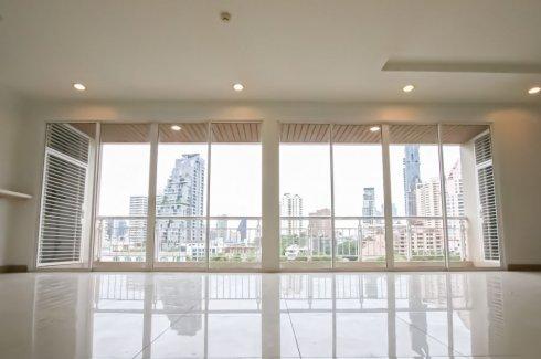 4 Bedroom Condo for sale in The Rise Sukhumvit 39, Khlong Tan Nuea, Bangkok near BTS Phrom Phong