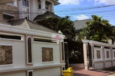 10 Bedrooms House In Baan Phrueksachat Saphan Sung Bangkok 17 500 000 60 000 Dot Property