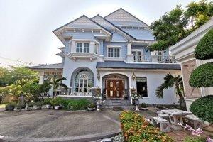 4 Bedroom House for sale in Ban Nanthawan onnut 44, Bang Chak, Bangkok